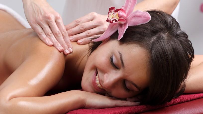 Wellness-Hotel-Piroska-massage