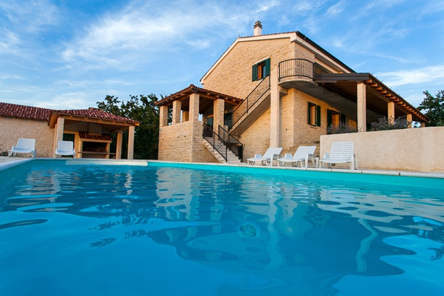 Villa Adrysa