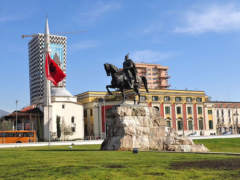 Tirana i Ohrid