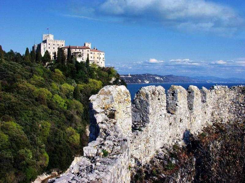 Dvorac Duino i Trst